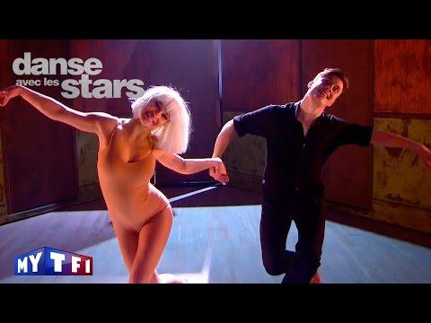 DALS S06 - Loïc Nottet et Denitsa dansent une danse contemporaine sur ''Chandelier'' (Sia)