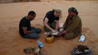 "Sand Or Desert Bread ""mella"" خبزة الجمر او الملال"