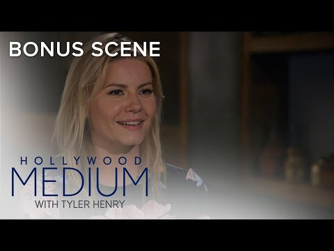 Elisha Cuthbert Gets Closure on Grandfather's Passing | Hollywood Medium with Tyler Henry | E!
