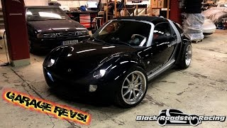 Black Roadster Racing  - Garage Parking, Revs!