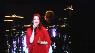Florence and The Machine - Shake It Out (Live 105 Not So Silent Night at Oracle)