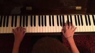 Королёк и птичка певчая на пианино