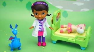 Доктор Плюшева, Стаффи і Леммі. Іграшки з мультфільму Doc McStuffins. Відкриваємо і граємо