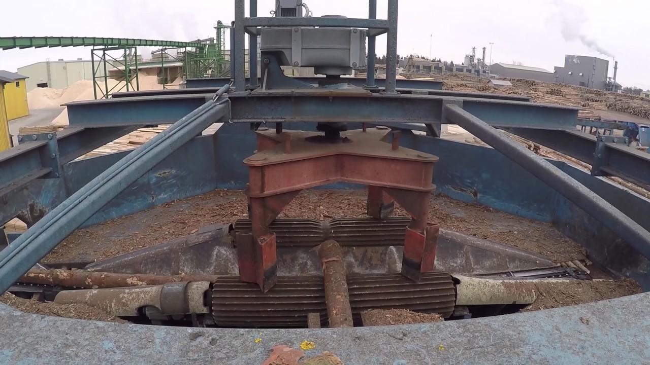 Sawmill log turner