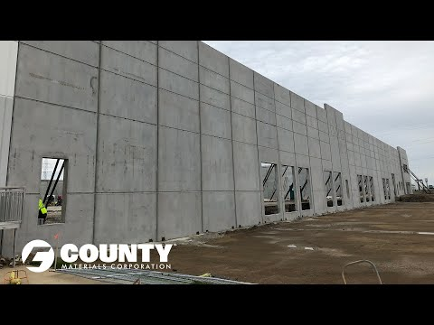 Advantages of Insulated Sandwich Walls - Veterans Memorial Parkway Warehouse Project Feature