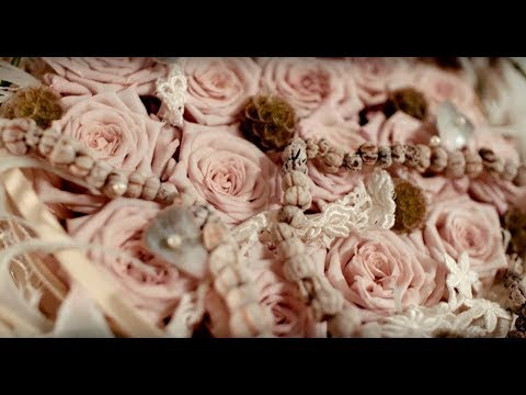 a Lovely Lace wedding bouquet | Flower Factor How to Make | Powered by Arend Roses