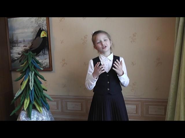 Изображение предпросмотра прочтения – ЕлизаветаМаринина читает произведение «Ворона и Лисица» И.А.Крылова