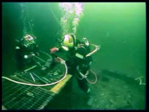 Welding Divers   Commercial Diver Training