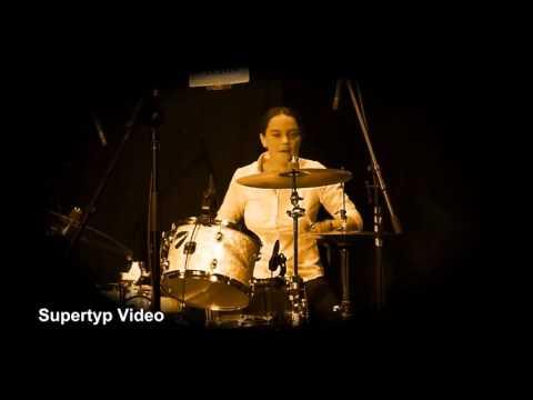Sabine Pyrker - Drum Solo(Blues & Jazz im Troadkasten)