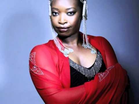 Mounira Mitchala - Choukrane