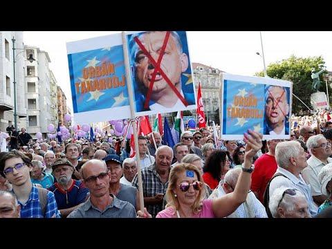 "Líder da oposição húngara chama ""patife"" a Viktor Orbán"