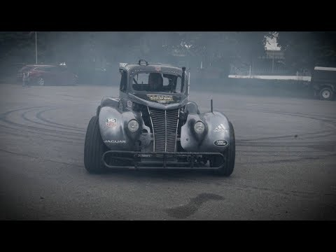 Doing Donuts in a 1937 Ford Hot Rod in 360