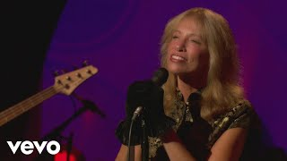 Carly Simon - Let the River Run (Live On The Queen Mary 2)