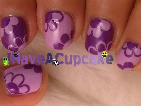 cute and simple flowers nail art