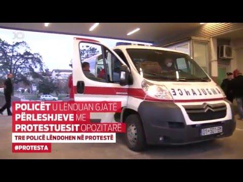 Tre policë lëndohen në protestë
