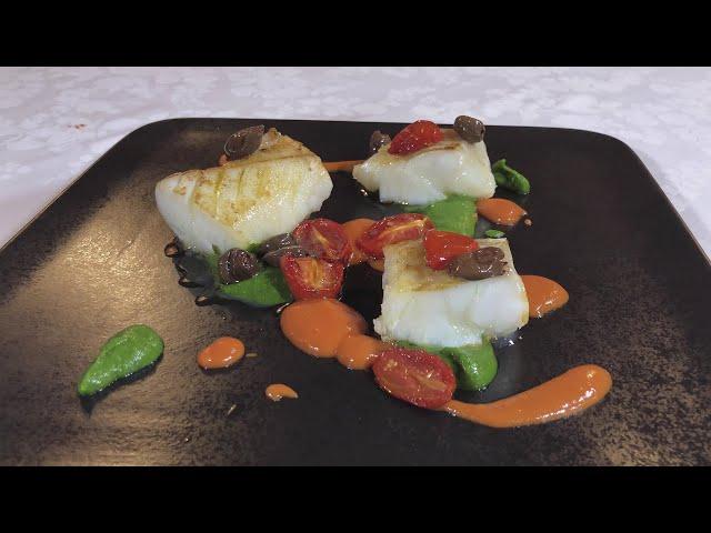 Baccalà rosolato con salsa di acciughe e broccoli