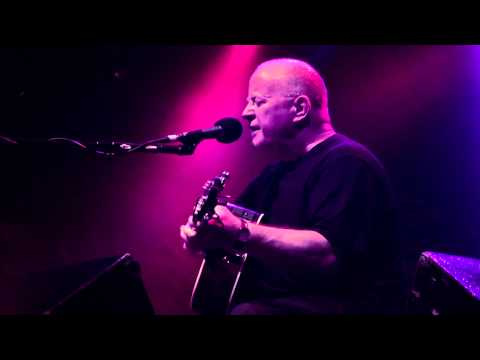 Christy Moore sings Ordinary Man a Tribute to Paul Hogan