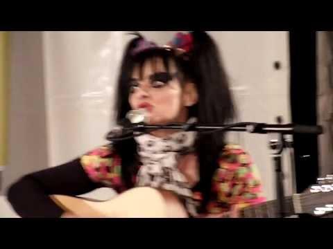Born In Xixax (Unplugged) - Nina Hagen (2011)
