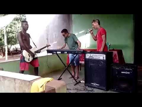 Os Xonados.com  de Cocos-BA Cantando na Zona Rural de Feira Da Mata-Ba
