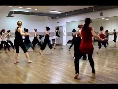 Les danses du Togo debarquent en France   La danse  des adjifo  la danse adjogbo et