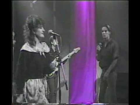 Deacon Blue  Real Gone Kid live on Halfway to Paradise. 7 Oct 1988