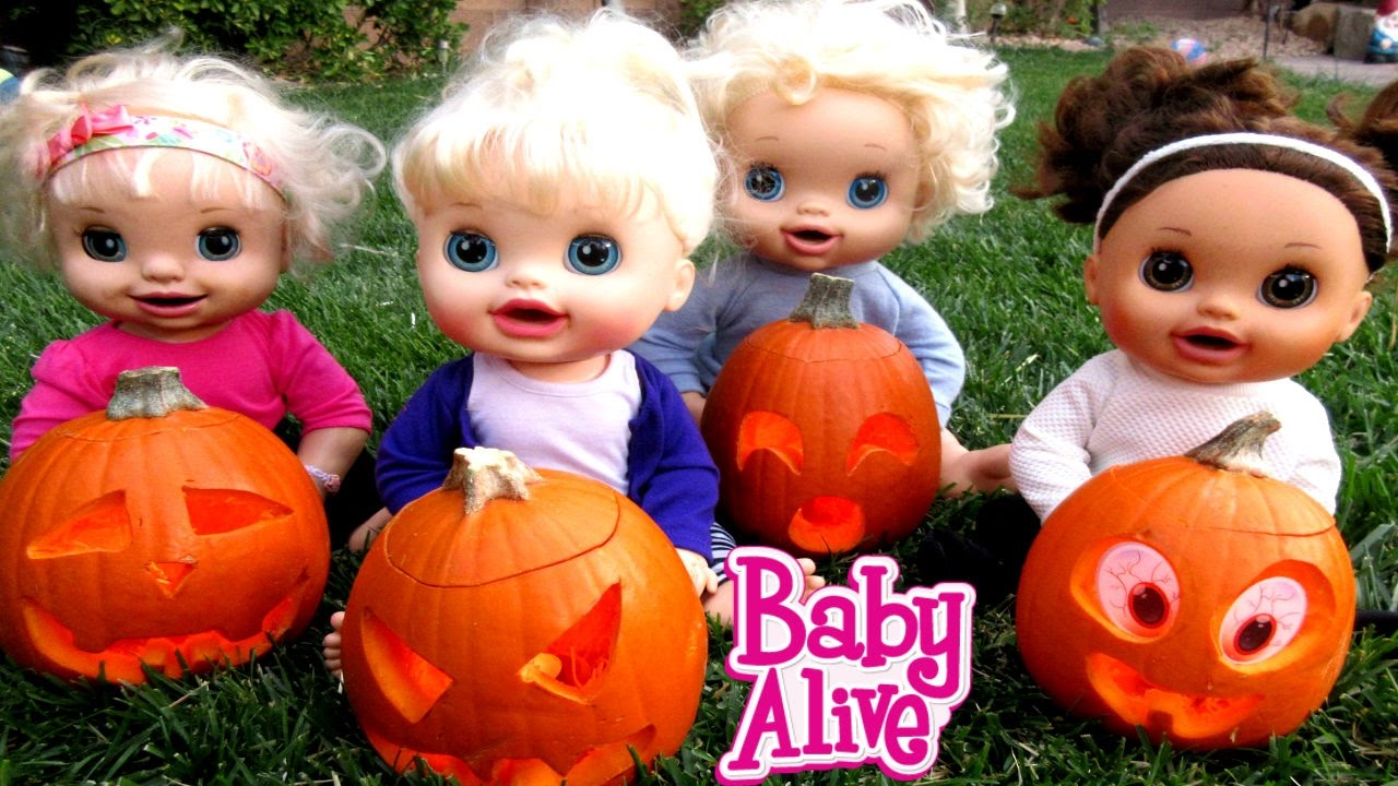 BABY ALIVE Carve Out Pumpkins For Halloween! - YouTube