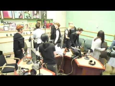 130530 KTR 10 SUKIRA EXO 엑소 Good bye kiss Hug D.O Baekhyun ...