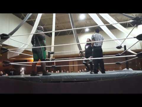 "JaXon Kade vs ""Sugar"" Shane Matthews at FWF"