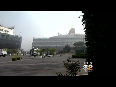 Queen Elizabeth Berths Next To Queen Mary In Long Beach For First Time