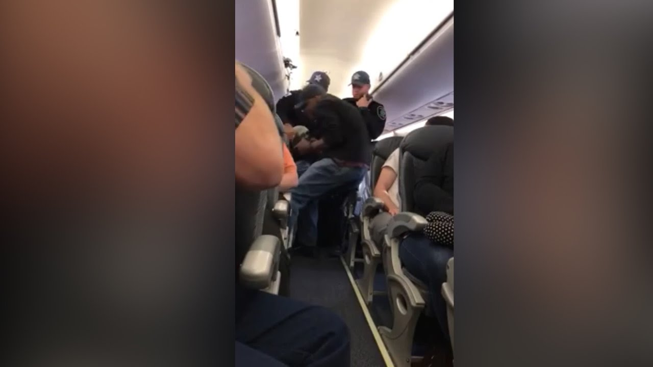All the Facts and Full Text of United Airlines Apology as Removal Video Goes Viral around the World