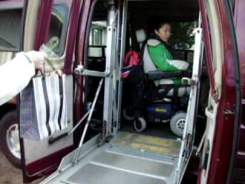 Auto adaptado a personas en silla de ruedas youtube for Sillas para discapacitados