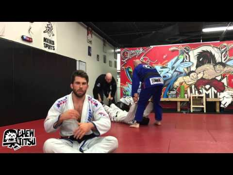 How To Roll With Lower Belts In BJJ