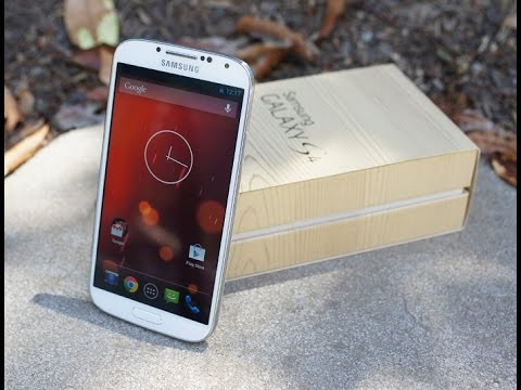 Samsung Galaxy S4 Google Play Edition running Android 5.0 Lollipop Hands On