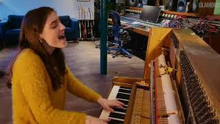 Birdy - Second Hand News (live Glamour: Women of the year 2021)