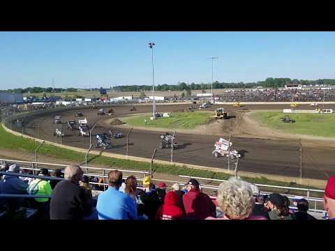 Non-Wing and Winged Sprints Packing the Track Together - Kokomo Speedway 6/2/19