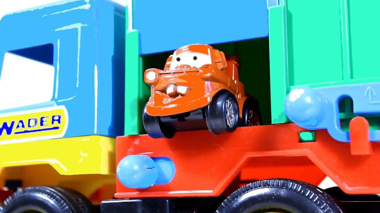 Про трактор на детской площадке