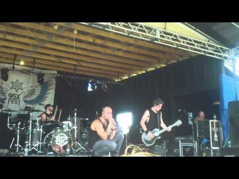 "BRIDGE TO GRACE - ""Everything"" [6/20/15 - Live at 95X FEST in Pennellville, NY]"