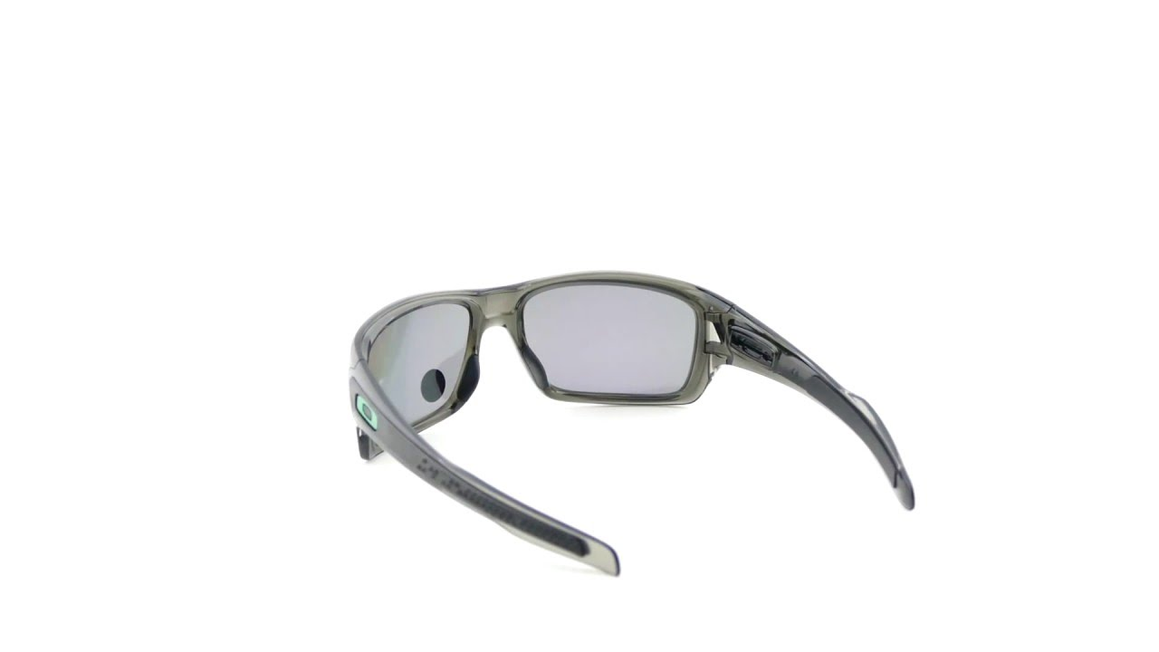 16c0ad1741 Oakley Turbine Grey Smoke Jade Iridium Polarized - OO9263-09 - YouTube