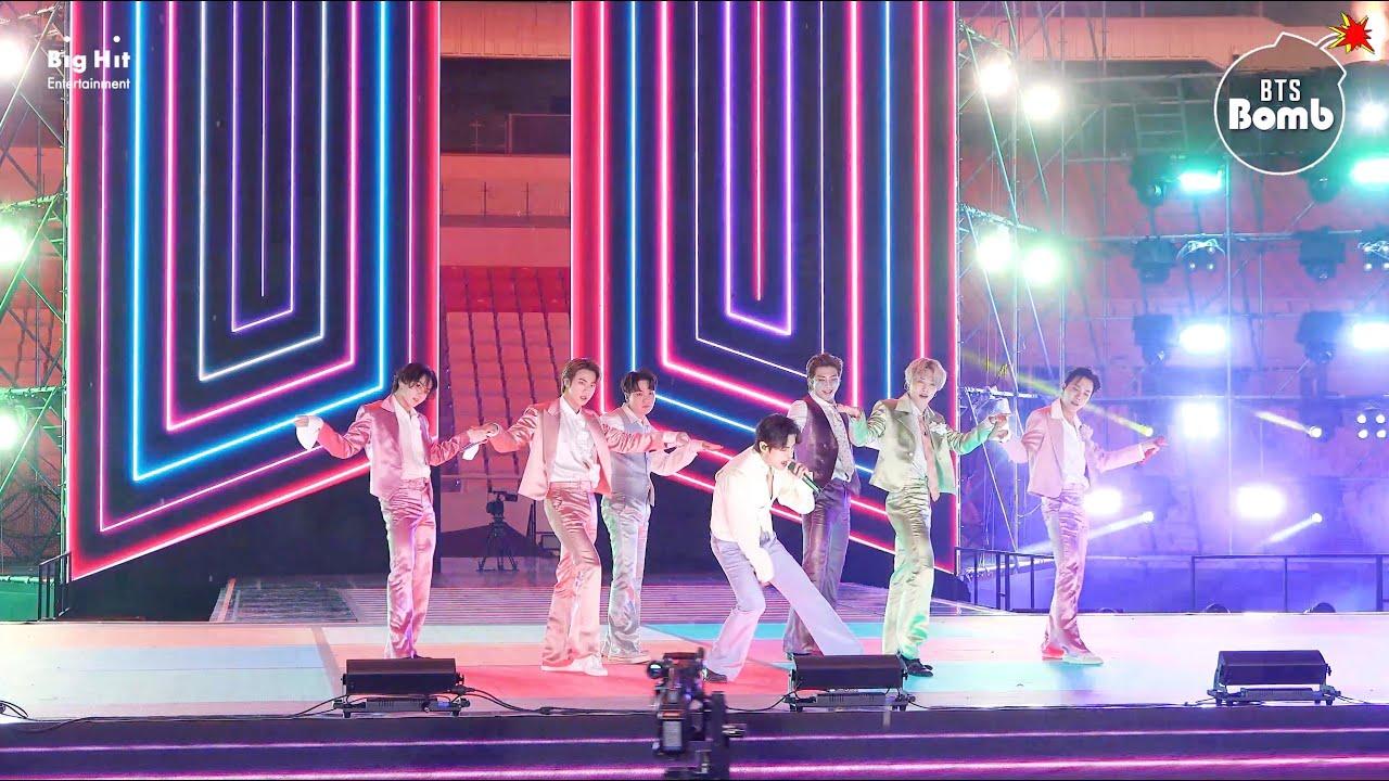 [BANGTAN BOMB] 'Dynamite' Stage CAM (BTS focus) @ 2020 AMAs - BTS (방탄소년단)