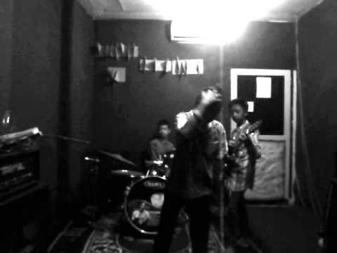 Papa Rock N Roll - Kepompong