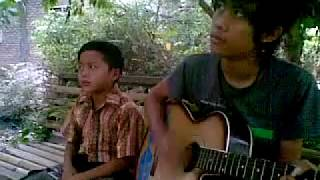 Download lagu #07  Suara Maulana Ardianysah Umur 9 Tahun LaoNeis band - Dia Di Surgamu