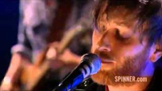 Repeat youtube video The Black Keys - Howlin' For You.