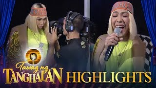 Tawag ng Tanghalan: Vice Ganda plays with the cameraman