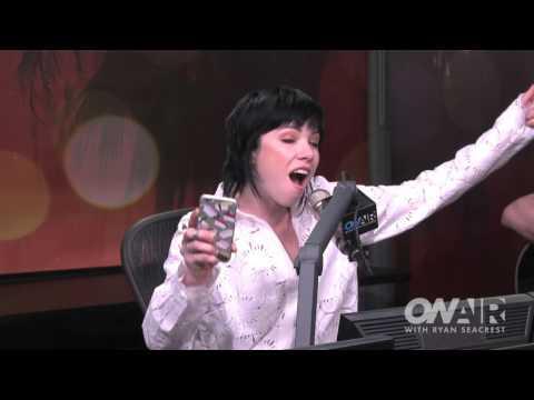 Carly Rae Jepsen Sings