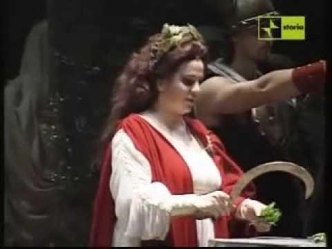 Maria pia piscitelli norma casta diva doovi - Canta casta diva ...