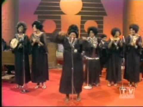 Medley- Clara Ward & The Clara Ward Singers (1971)