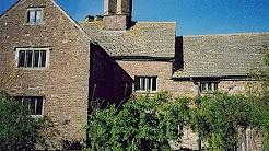 Pen-y-clawdd Court, Llanfihangel Crucorney, Abergavenny - House Detective