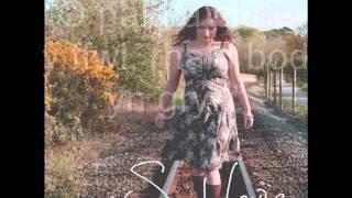 Sarah Louise - Creithiau (Scars) (gyda chyfieithiad / with transation)