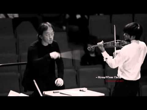 Myung-Whun Chung in rehearsal with the Seoul Philharmonic Orchestra