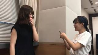 伊藤かりんからスイカメンバー、伊藤純奈、西野七瀬へプレゼント